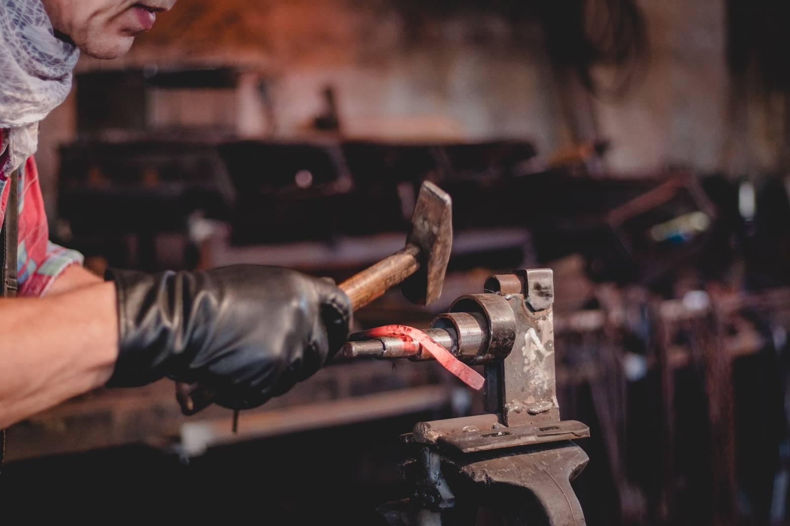 Meuble Sur Mesure Bordeaux faire réaliser des meubles métal et bois sur mesure à